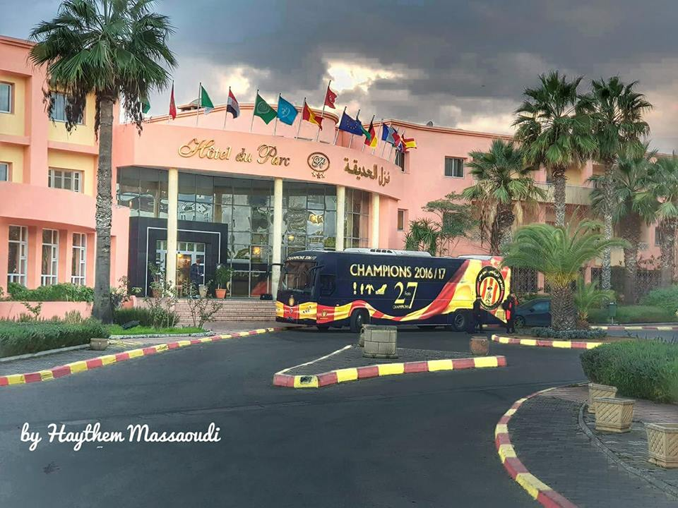hôtel+bus.jpg
